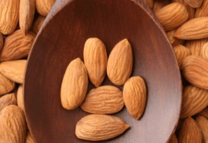 almonds-spoon